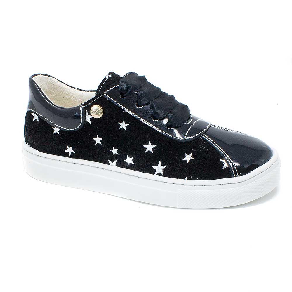 sneaker piel negra con estrellas